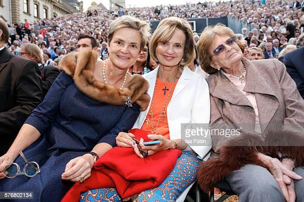 Gloria von Thurn und Taxis with her sister Maya von SchoenburgGlauchau and her mother Beatrix von SchönburgGlauchau attend the Opera Gala With Jonas...