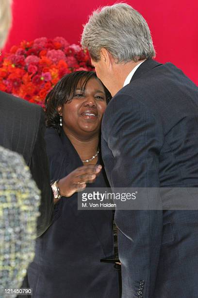 Gloria Wilderbrawaite John Kerry during Redbook's Annual Mothers Shakers Awards Ceremony at Avery Fisher Hall in New York New York United States