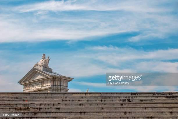 glorieta of san vincente & steps - porta cittadina foto e immagini stock
