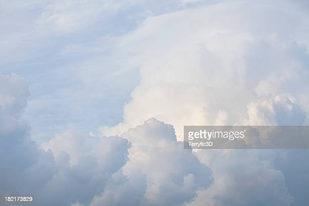 glorious cloudscape with fluffy white cumulus clouds - terryfic3d stock pictures, royalty-free photos & images