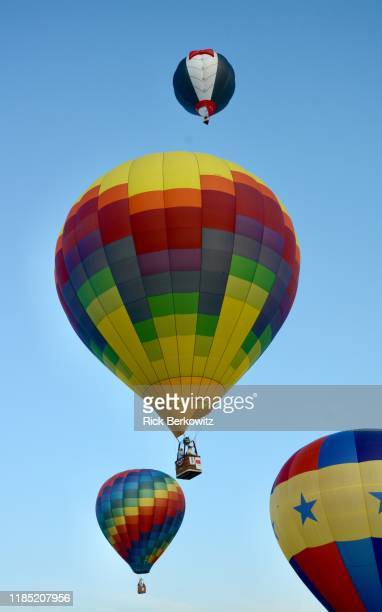 glorious morning for hot air balloons - for stock pictures, royalty-free photos & images