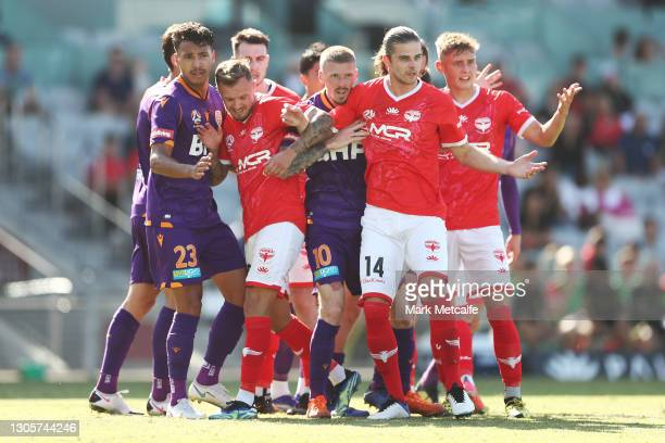 Glory and Phoenix players jostle at a corner during the A-League match between the Wellington Phoenix and the Perth Glory at WIN Stadium, on March 07...