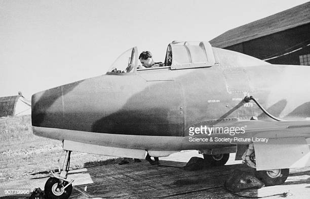 GlosterWhittle E28/39 c 1940s The GlosterWhittle E28/39 was the first Allied jet aircraft which first flew briefly on 8 May 1941 while on taxiing...