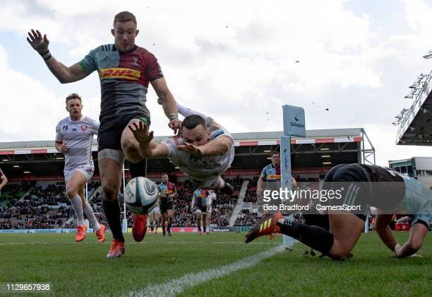 Gloucester's Tom Marshall almost scores for Gloucester during the Gallagher Premiership Rugby match between Harlequins and Gloucester Rugby at...
