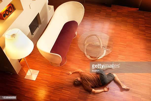 éclat pour le corps à l'étage - lying down photos et images de collection