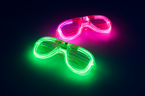 Glowing Novelty Glasses - gettyimageskorea
