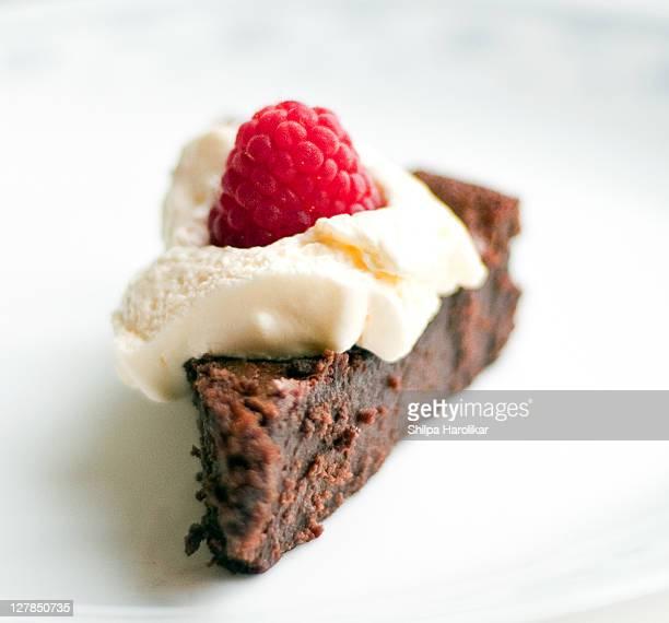 Gluten free flour-less chocolate cake
