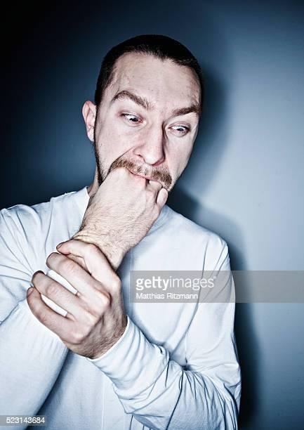 gluttonous man - los siete pecados capitales fotografías e imágenes de stock