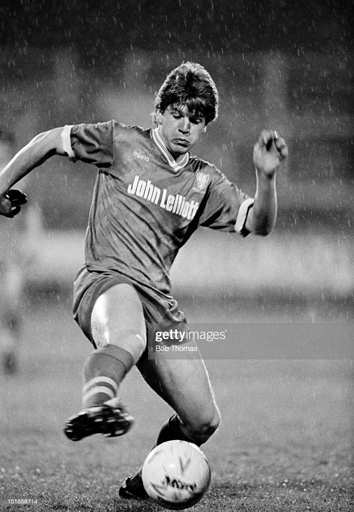 Glyn Hodges of Wimbledon during the Charlton Athletic v Wimbledon Division 2 match played at The Valley, in London on the 6th May 1986. The match was drawn 0-0.