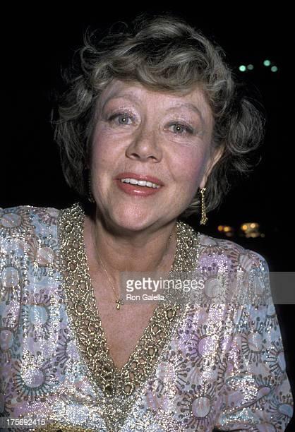 Glynis Johns attends BBC TV Awards Gala on November 19 1986 at the Ambassador Hotel in Los Angeles California