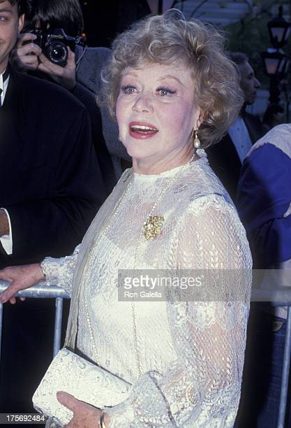 Glynis Johns attends Tribute Gala Honoring Alec Guiness on April 27 1987 at Lincoln Center in New York City