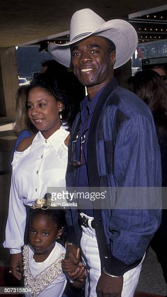 Glynn Turman attends the premiere of 'Home Alone 2 Lost in New York' on November 15 1992 at the United Artists Theater in Century City California