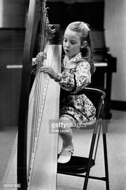 APR 23 1980 MAY 14 1980 Glynnis Robbins 5 Play Claire de Lune