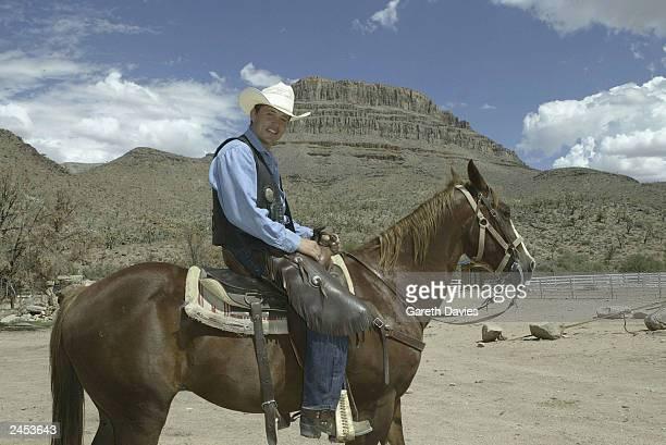 GMTv Viva Las Vegas Presenter Ben Shephard filming for Entertainment Today September 1 2003 in the Grand Canyon near Las Vegas Nevada Shephard...