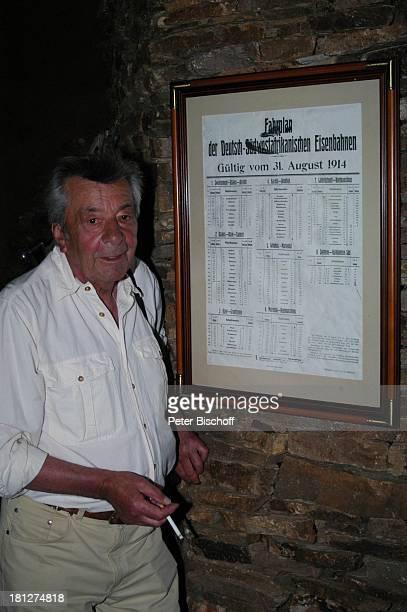 Günter Mack 'Okapunka Ranch' am Rande der Dreharbeiten zum ZDF2Teiler 'Afrika Wohin mein Herz mich trägt' alter Titel 'Bushmans Paradise' Windhoek...