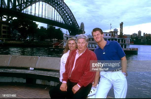 Günter Pfitzmann Ehefrau Lilo und Sohn Robert Pfitzmann neben den Dreharbeiten zur PRO7Serie Glückliche Reise Folge Australien Sydney/Australien...