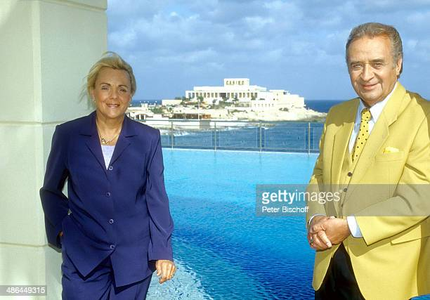 "Günter Wewel, Ehefrau Gisela, ARD-Musik-Reihe ""Kein schöner Land"", Folge ""Malta"", ""Hilton""-Hotel, in Portomaso, Insel Malta, HDS."