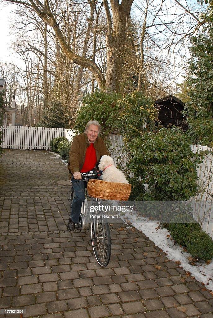 Schramm München günther schramm mit hund pütty 4 jahre grünwald bei münche