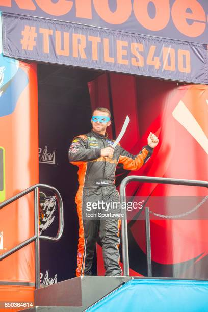 Go Fas Racing Incredible Bank/Ninja Turtles Samurai Ford driver Matt DiBenedetto waves to the fans during the Monster Energy Cup Series Tale of the...