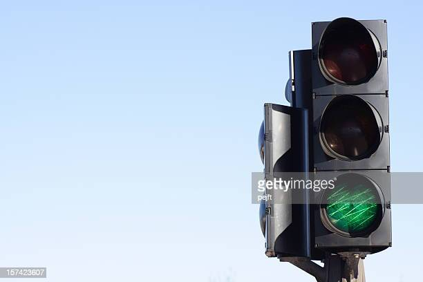 go - green light traffic signal - pejft stock pictures, royalty-free photos & images