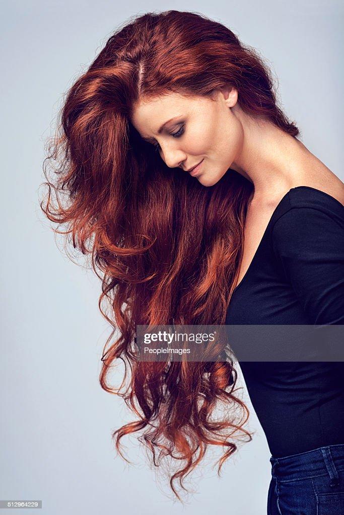 Vai su, sciogli i capelli. : Foto stock