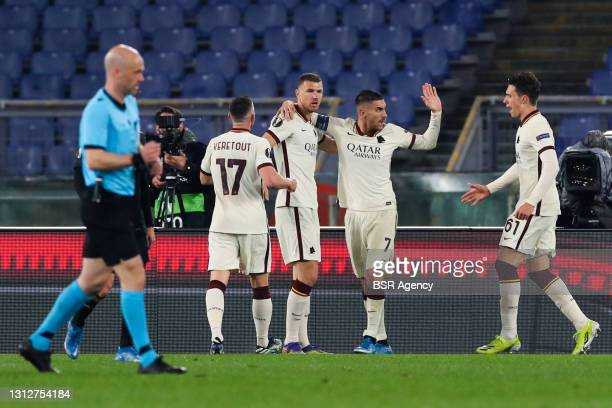 Goal by Edin Dzeko of AS Roma during the UEFA Europa League Quarter Final: Leg Two match between AS Roma and Ajax at Stadio Olimpico on April 15,...