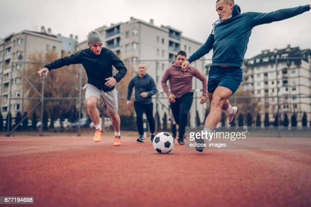 goal is the target - passing sport imagens e fotografias de stock