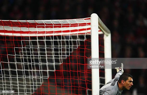 Goal keeper Faryd Mondragon of Koeln gives instructions during the Bundesliga match between 1 FC Koeln and 1899 Hoffenheim at RheinEnergieStadion on...