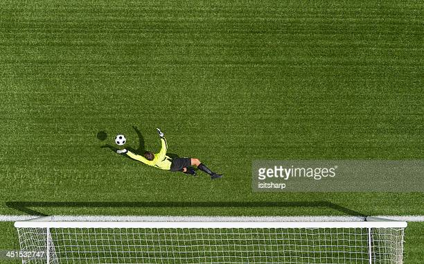 goal keeper in action - goalie goalkeeper football soccer keeper stock pictures, royalty-free photos & images