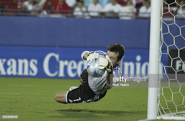 Goal keeper Joe Cannon of the San Jose Earthquakes makes a save during the match against the FC Dallas on October 2, 2008 at Pizza Hut Park in...