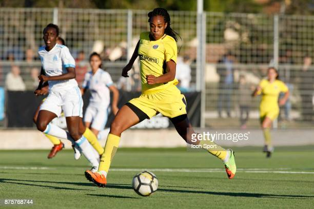 Goal Marie Antoinette Katoto of Paris scores during the women's Division 1 match between Marseille and Paris Saint Germain on November 18 2017 in...