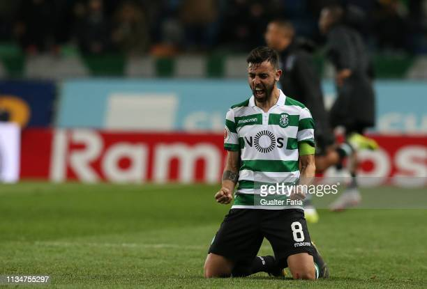 Goal scorer Bruno Fernandes of Sporting CP celebrates the victory at the end of the Taca de Portugal match between Sporting CP and SL Benfica at...