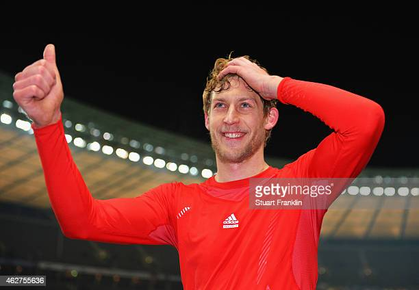 Goal scorer Stefan Kiessling of Leverkusen celebrates after the Bundesliga match between Hertha BSC and Bayer 04 Leverkusen at Olympiastadion on...