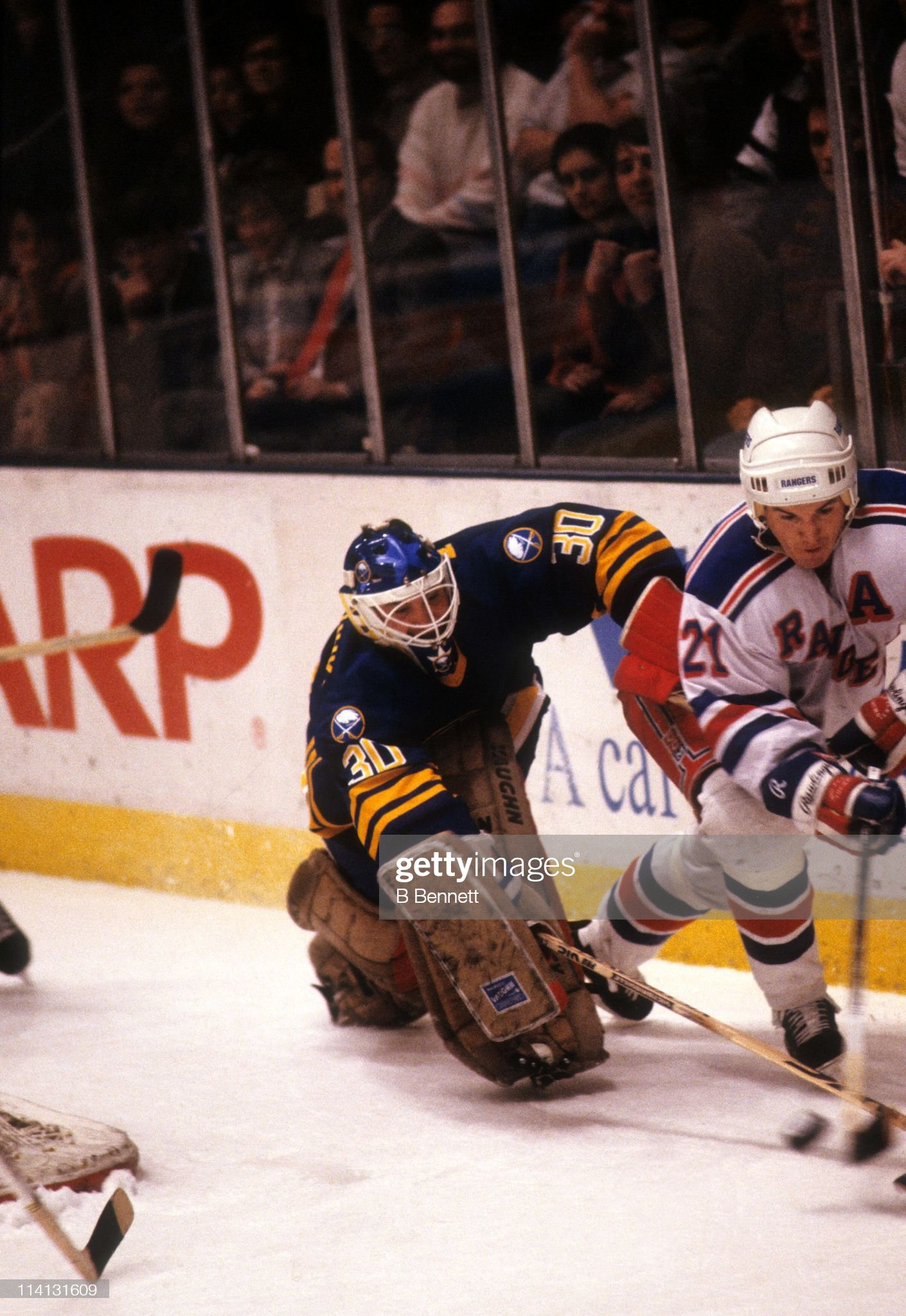 goalie-clint-malarchuk-of-the-buffalo-sa