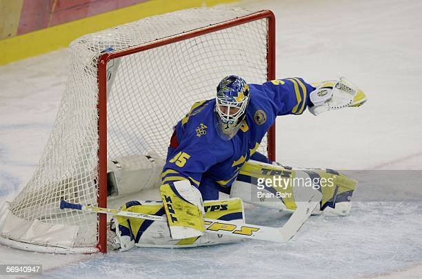 Goalie Henrik Lundqvist of Sweden prepares to make a stop in the final of the men's ice hockey match between Finland and Sweden during Day 16 of the...