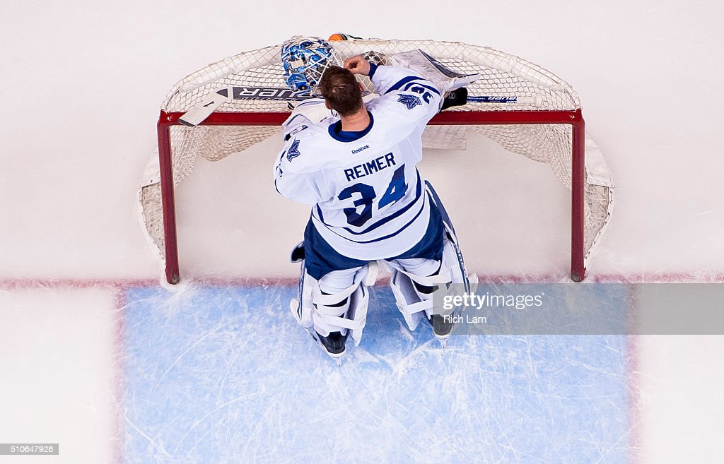 Toronto Maple Leafs v Vancouver Canucks : News Photo