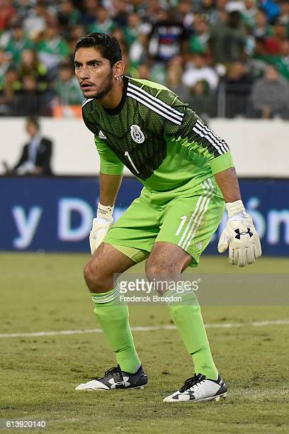 Goalie Jesus Corona of Mexico plays against New Zealand at Nissan Stadium on October 8 2016 in Nashville Tennessee