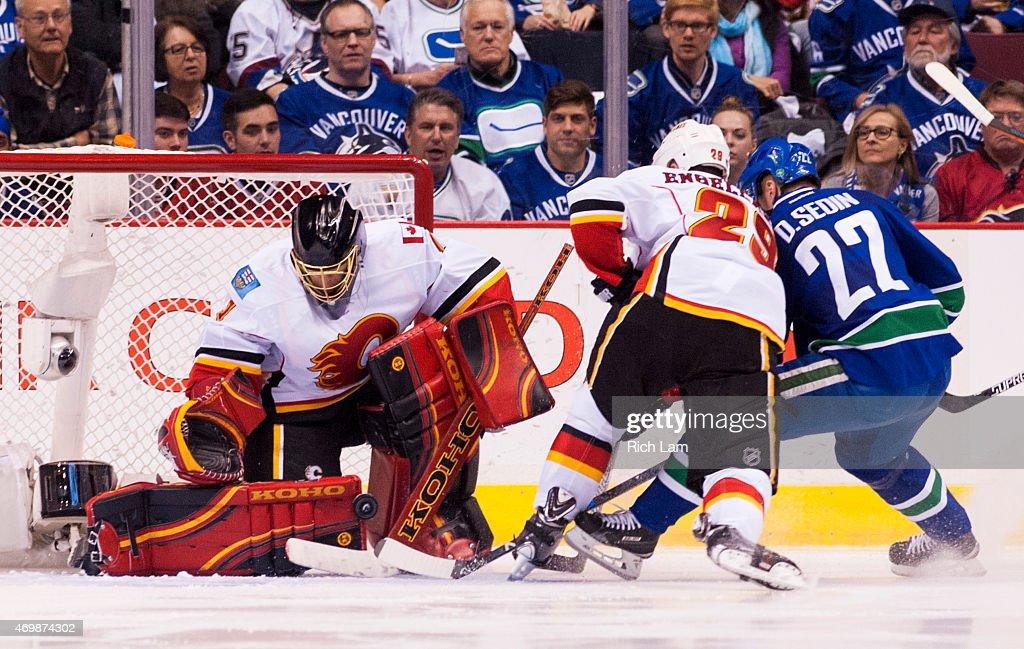 Calgary Flames v Vancouver Canucks - Game One : News Photo