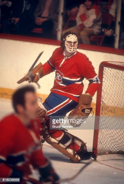 Goalie Ken Dryden of the Montreal Canadiens defends the net during an NHL game against the Philadelphia Flyers on March 18 1973 at the Spectrum in...