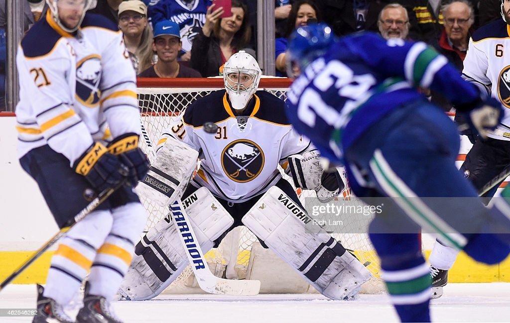 Buffalo Sabres v Vancouver Canucks : News Photo