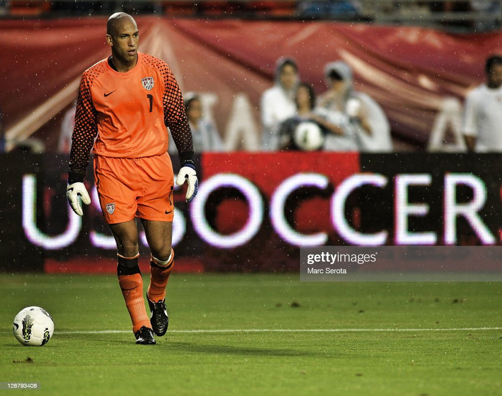 Goalie Tim Howard #1 of the USA defends the goal against Honduras at Sun Life Stadium on October 8, 2011 in Miami Gardens, Florida.