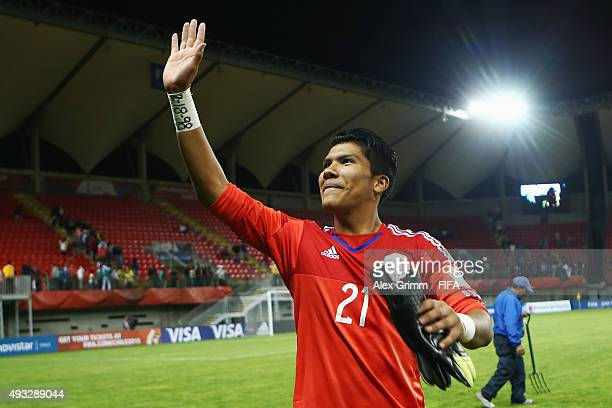 Goalkeeper Abraham Romero of Mexico celebrates after the FIFA U17 World Cup Chile 2015 Group C match between Mexico and Argentina at Estadio Nelson...