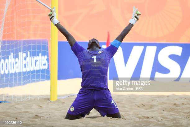 Goalkeeper Al Seyni Ndiaye of Senegal celebrates after the FIFA Beach Soccer World Cup Paraguay 2019 group C match between United Arab Emirates at...