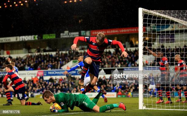 Goalkeeper Alex Smithies of Queens Park Rangers collects the ball during the Sky Bet Championship match between Ipswich Town and Queens Park Rangers...