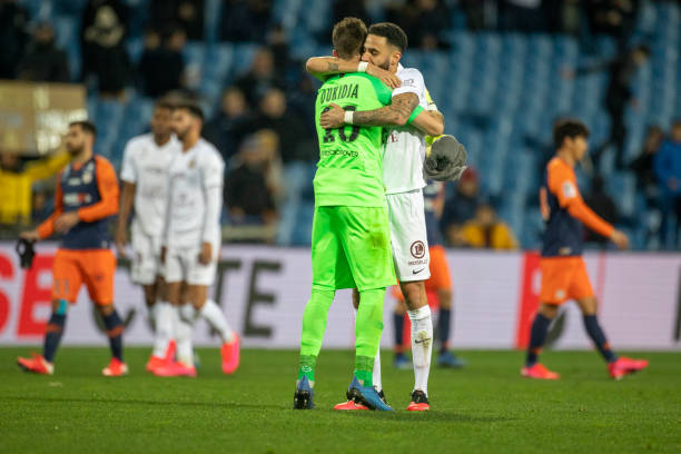 MHSC -EQUIPE DE MONTPELLIER -LIGUE1- 2019-2020 - Page 5 Goalkeeper-alexandre-oukidja-of-metz-and-dylan-bronn-of-metz-embrace-picture-id1204294561?k=6&m=1204294561&s=612x612&w=0&h=ewQRi9OlW2T2EwELxxooi2rs6LPwaWzxuEAPyMMtex4=