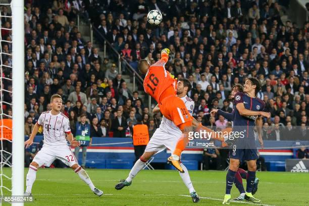 Goalkeeper Alphonse Areola of Paris SaintGermain and Javier Martinez of Bayern Muenchen battle for the ball during the UEFA Champions League group B...