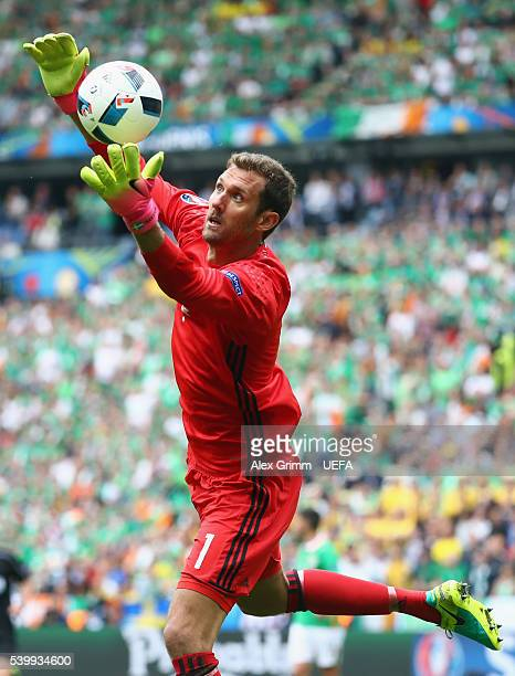 Goalkeeper Andreas Isaksson of Sweden catches the ball during the UEFA EURO 2016 Group E match between Republic of Ireland and Sweden at Stade de...