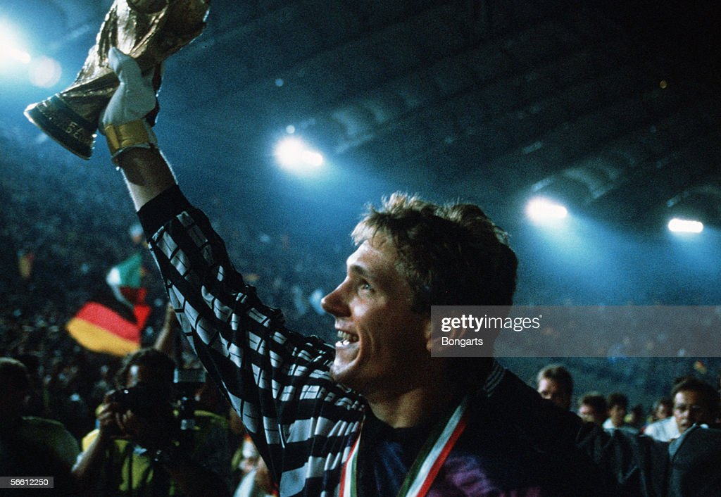 DEU: World Cup 1990 - Argentina v Germany : News Photo
