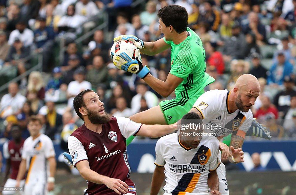 Audi 2016 MLS Cup Playoff Semifinal - Colorado Rapids v Los Angeles Galaxy : News Photo