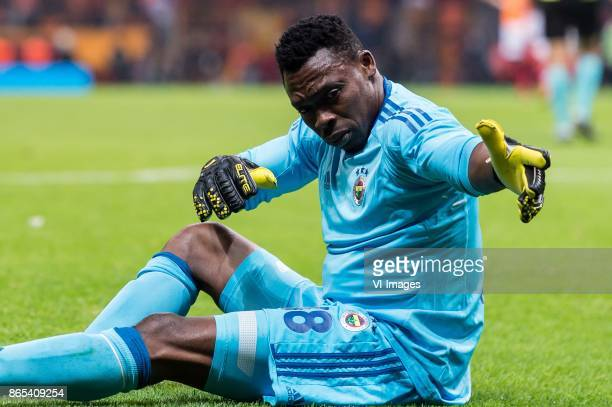 goalkeeper Carlos Kameni of Fenerbahce SK during the Turkish Spor Toto Super Lig football match between Galatasaray SK and Fenerbahce AS on October...